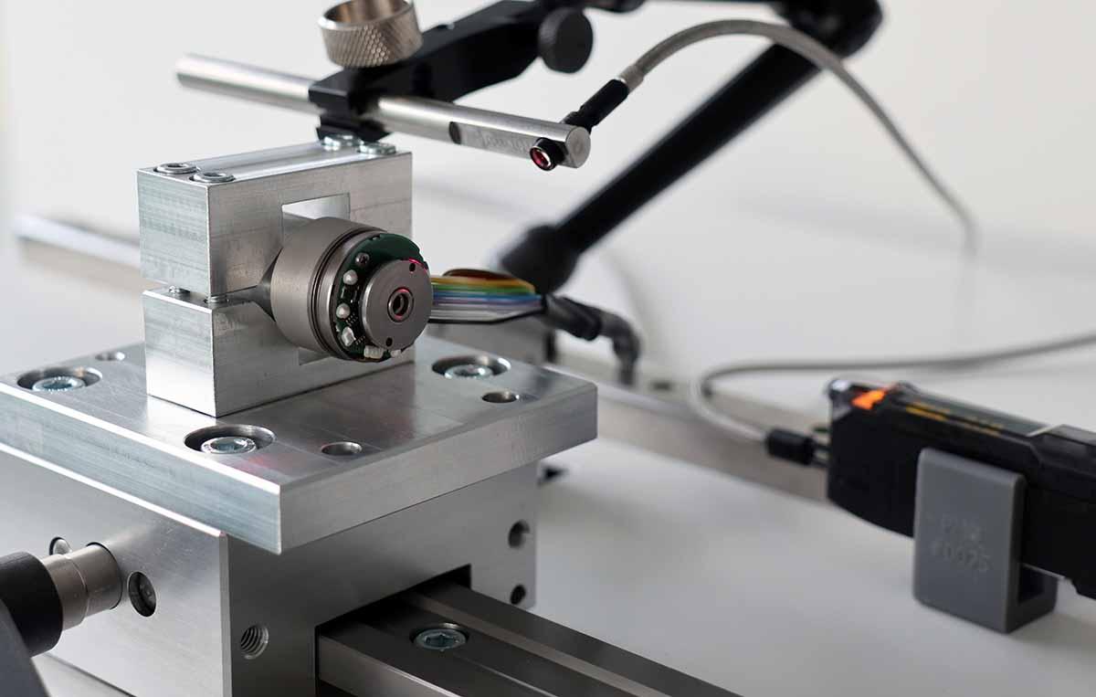pmb-bobertag-kleiner-elektromotor-auf-Auswuchtmaschine